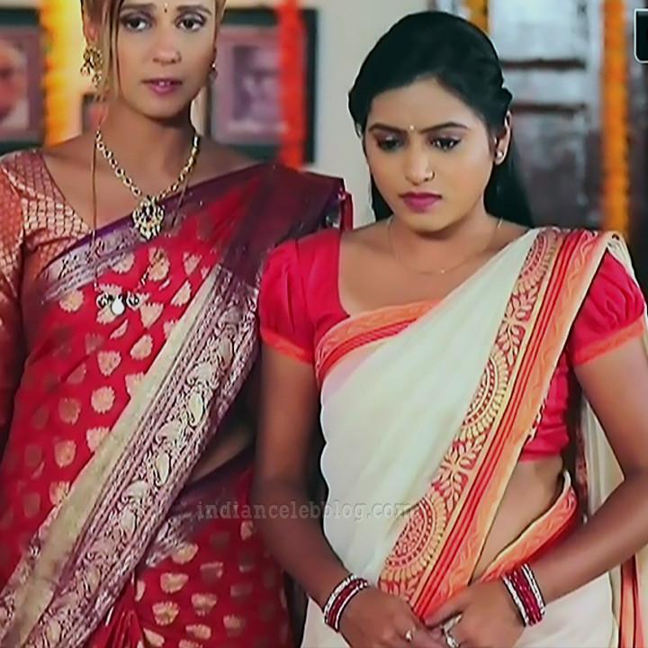 Deepika aradhya kannada TV actress Bili Hendthi S1 3 Saree photo