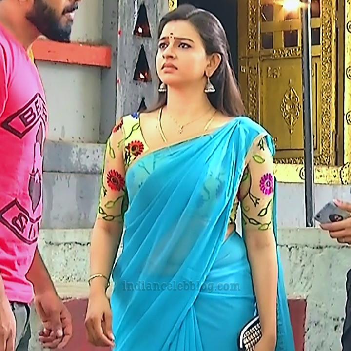 Divya ganesh tamil tv actress sumangali S5 10 sari pics