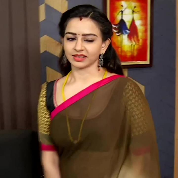Divya ganesh tamil tv actress sumangali S5 12 sari caps