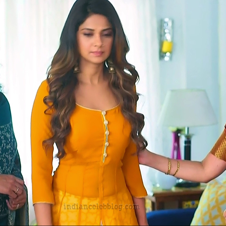 Jennifer winger hindi TV actress Bepanaah S1 9 hot gown photo