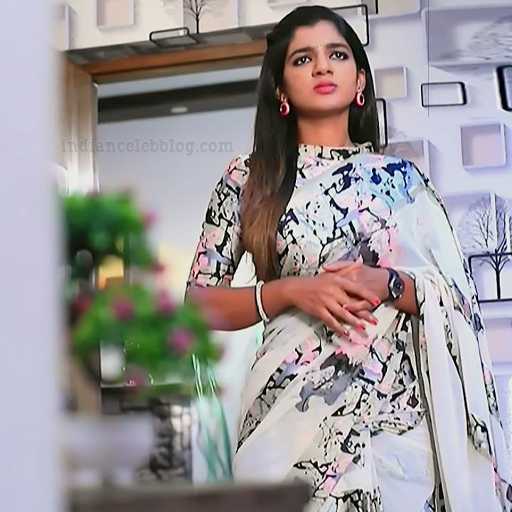 Kannada Serial actress Tapsee Satyam shivam SS1 3 Sari photo