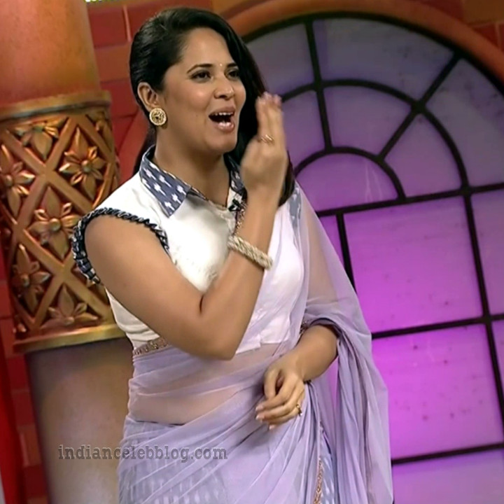 Anasuya teleugu TV anchor Reality show 15 hot saree pic