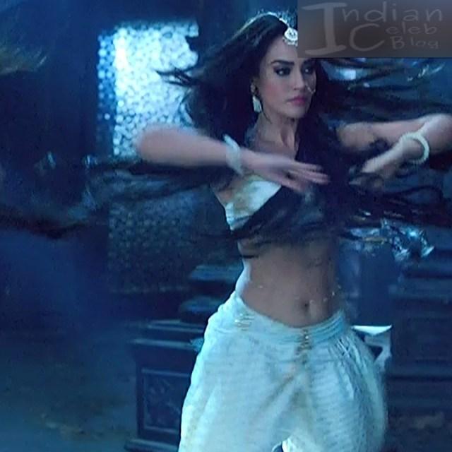 Surbhi jyoti Naagin 3 serial actress S5 8 hot photo
