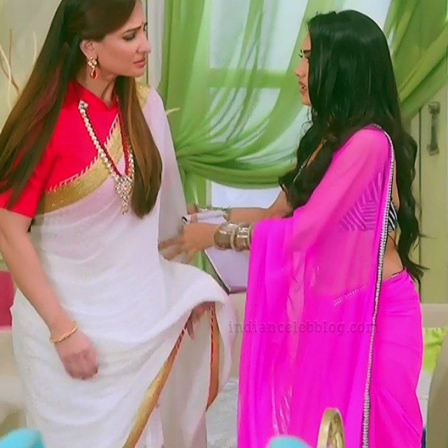 Surbhi-jyoti-naagin-s4-serial-12-hot-sari-photo