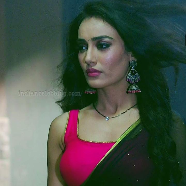 Surbhi Jyoti Sexy Backless Sleeveless Saree Show Naagin 3 -8387