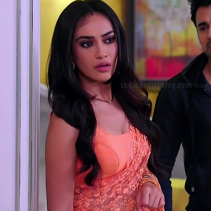Surbhi jyoti Naagin 3 tv actress s6 7 saree photo