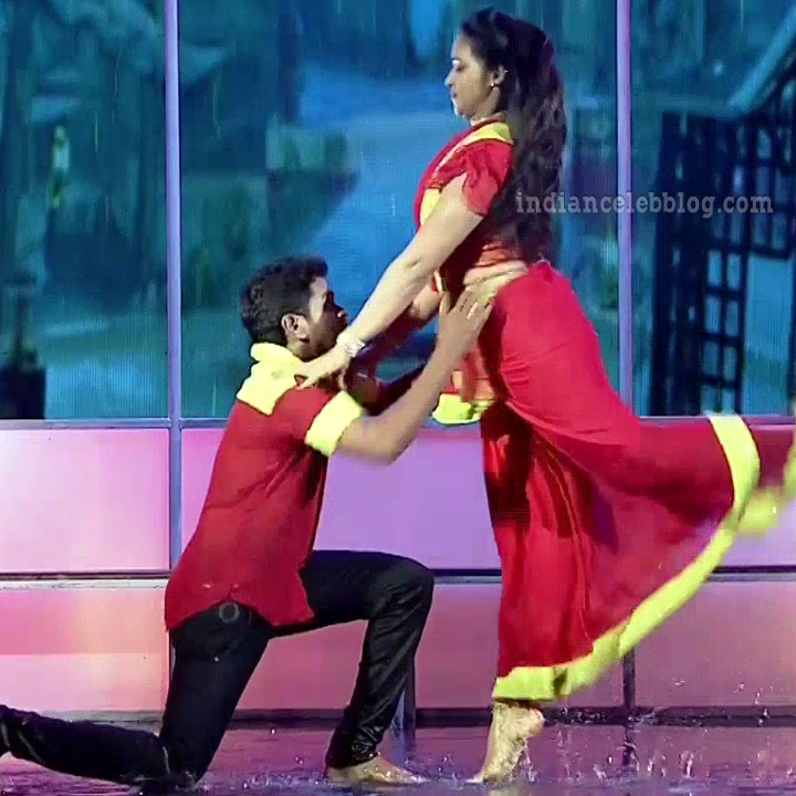 Bhavana Telugu TV anchor rangasthalam dance S1 13 hot caps