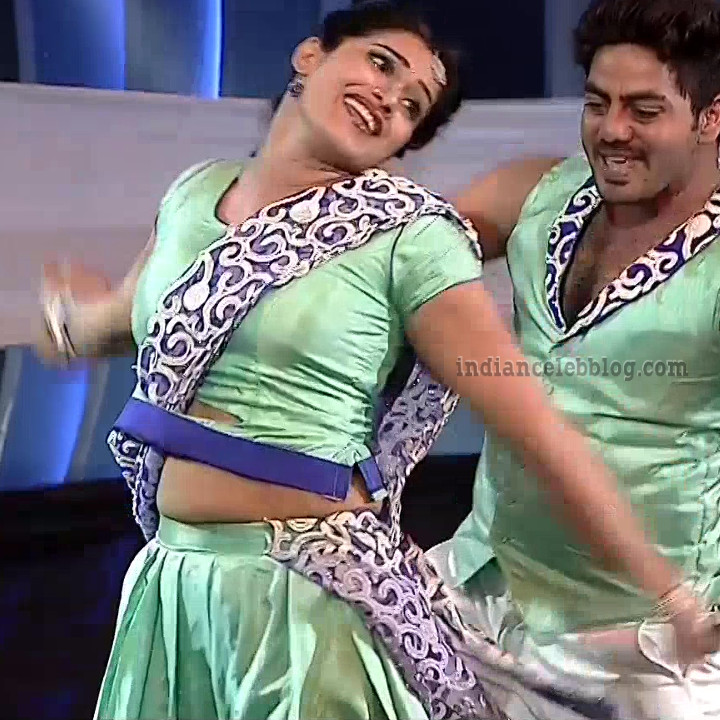 Bhavana Telugu TV anchor rangasthalam dance S1 20 hot pic