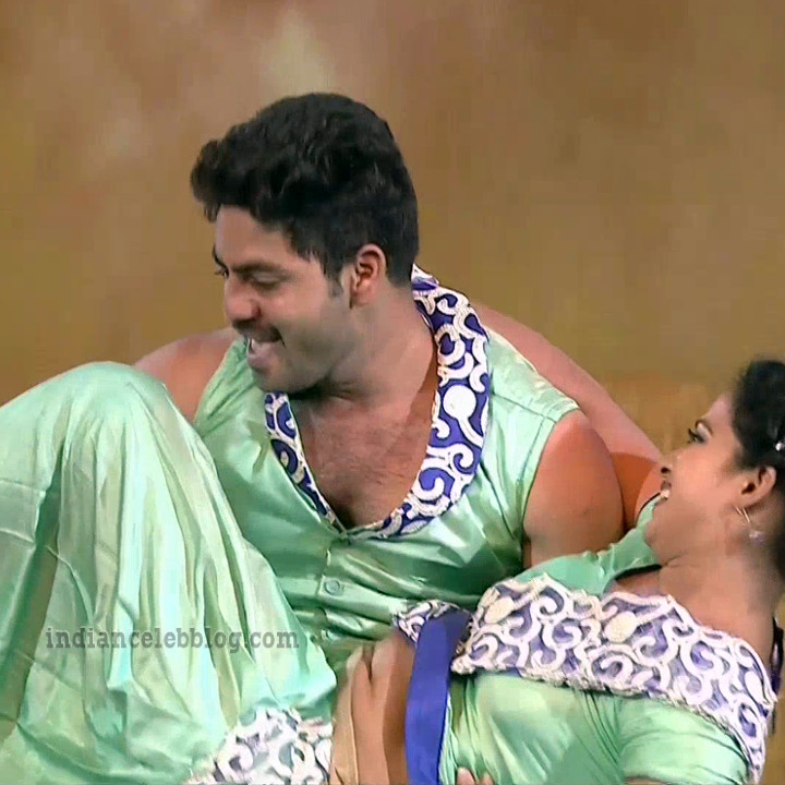 Bhavana Telugu TV anchor rangasthalam dance S1 24 hot pic