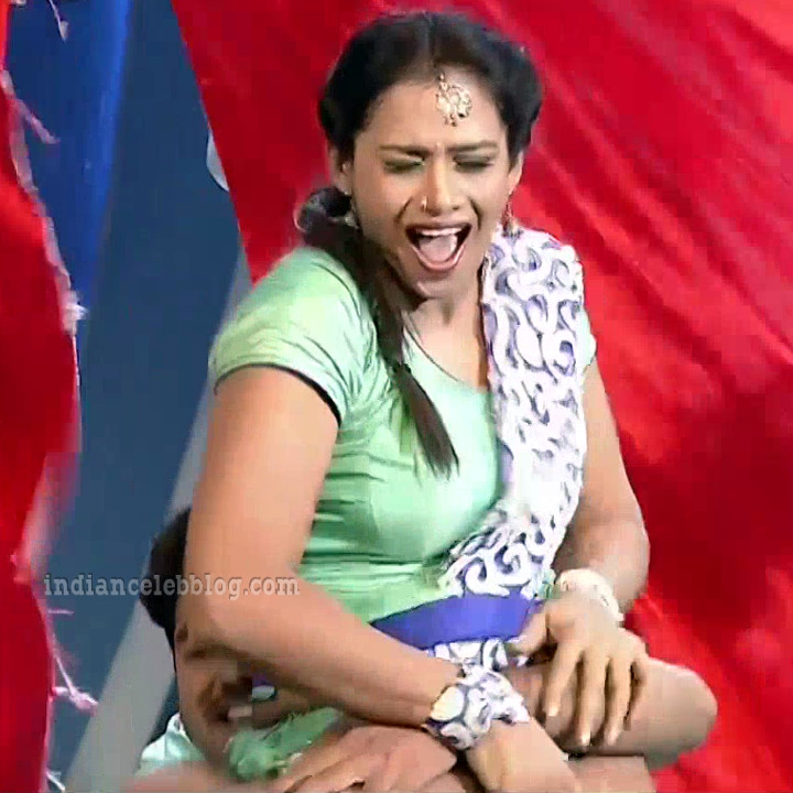 Bhavana Telugu TV anchor rangasthalam dance S1 26 hot pic