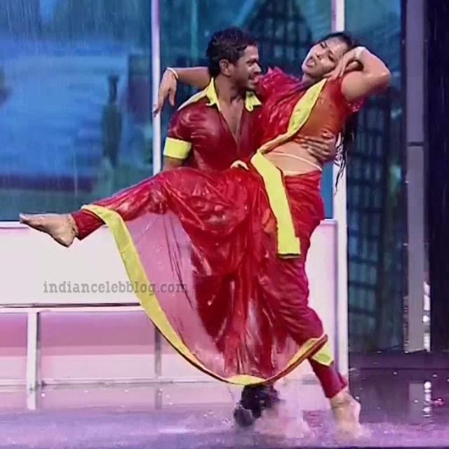 Bhavana Telugu TV anchor rangasthalam dance S1 9 hot photo