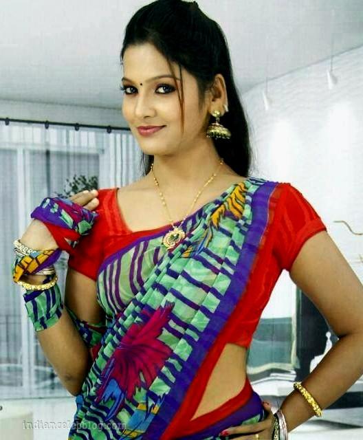 Chithu VJ tamil tv celeb CTS1 23 hot saree photo