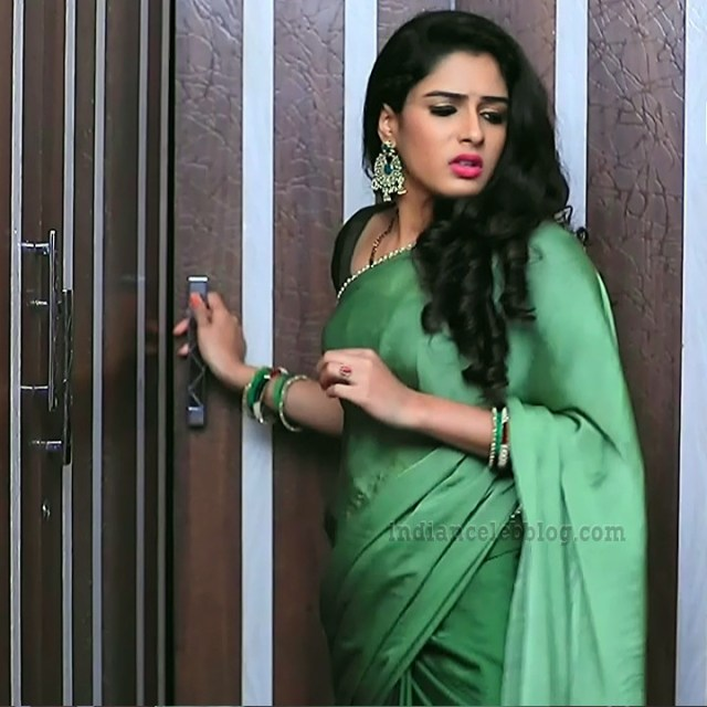 Supritha sathyanarayan kannada tv actress SeethaVS1 15 saree photo