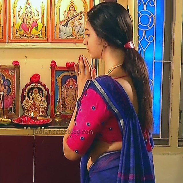 Divya ganesh tamil tv actress sumangali S6 11 saree pics
