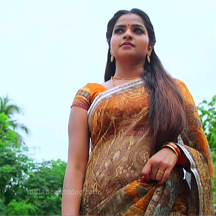 Nithya Ram Nandhini tv serial actress S2 1 hot saree photo