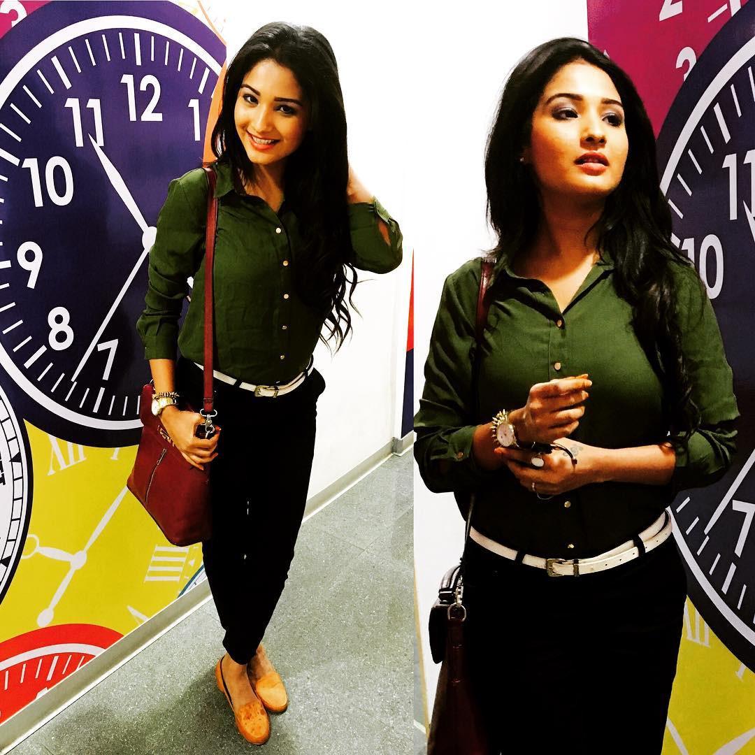 Sharanya turadi tamil tv actress CTS2 2 photo gallery