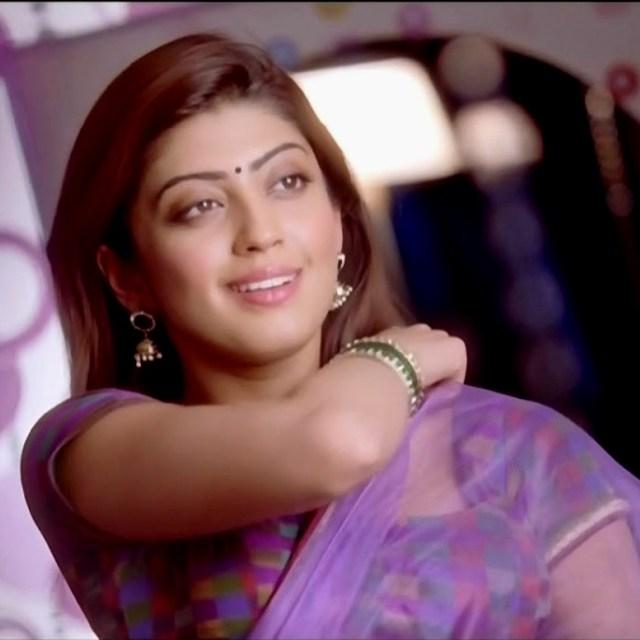 Pranitha subhash navel show from Rabhasa S1 2 hot pic