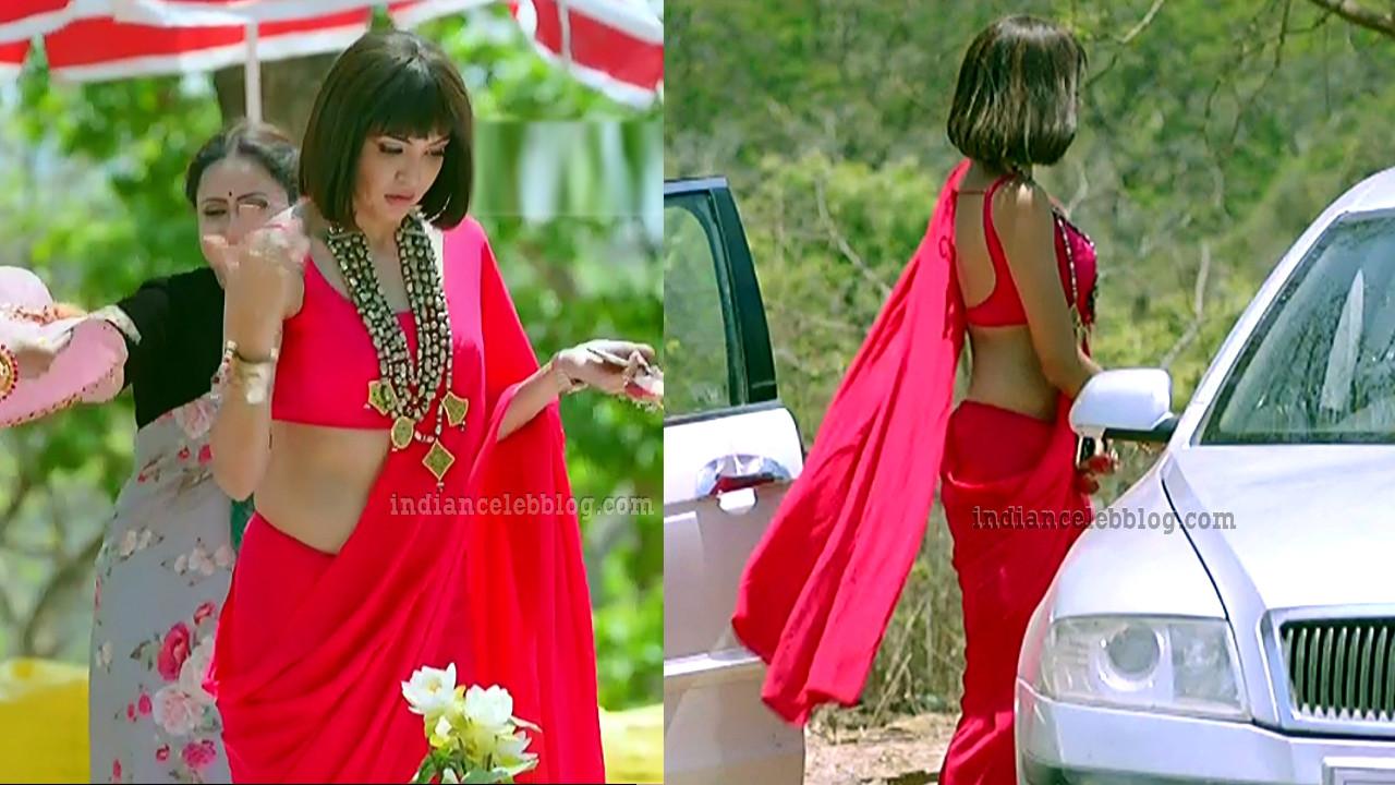 Parul chaudhary hindi tv actress hot sleeveless saree caps.