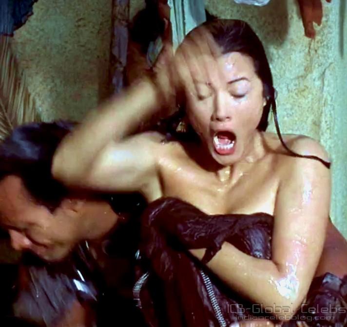 Scorpion king Kelly Hu oops moment || Dwayne Johnson