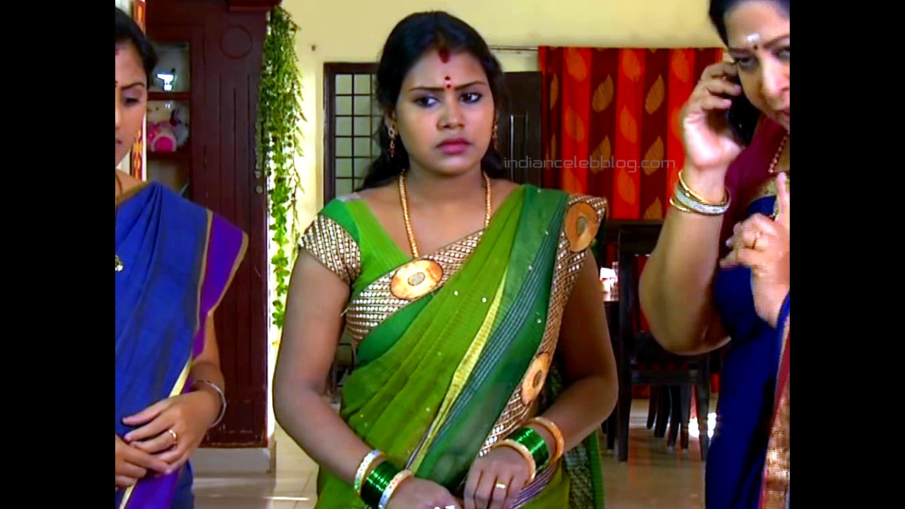 Soniya tamil tv serial actress hot transparent saree - Video