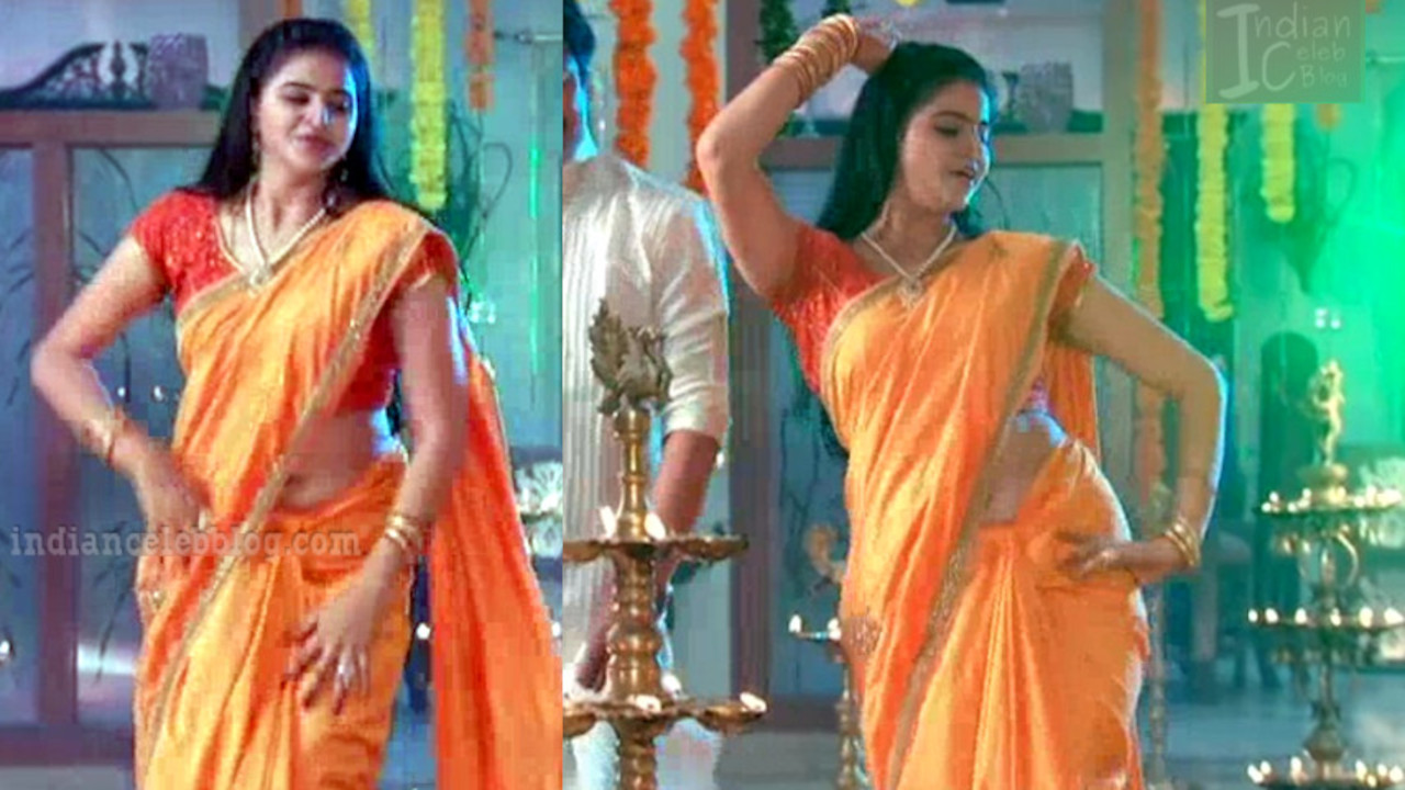 Telugu tv actress navel show hot sari dance Video