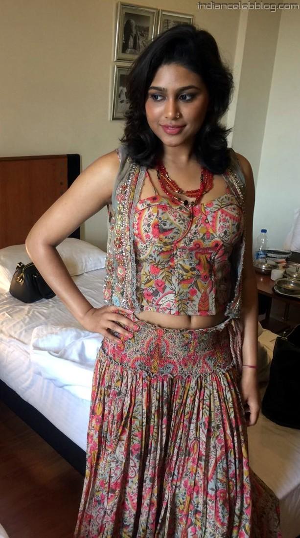 Manisha yadav tamil actress t1 15 hot legs photo