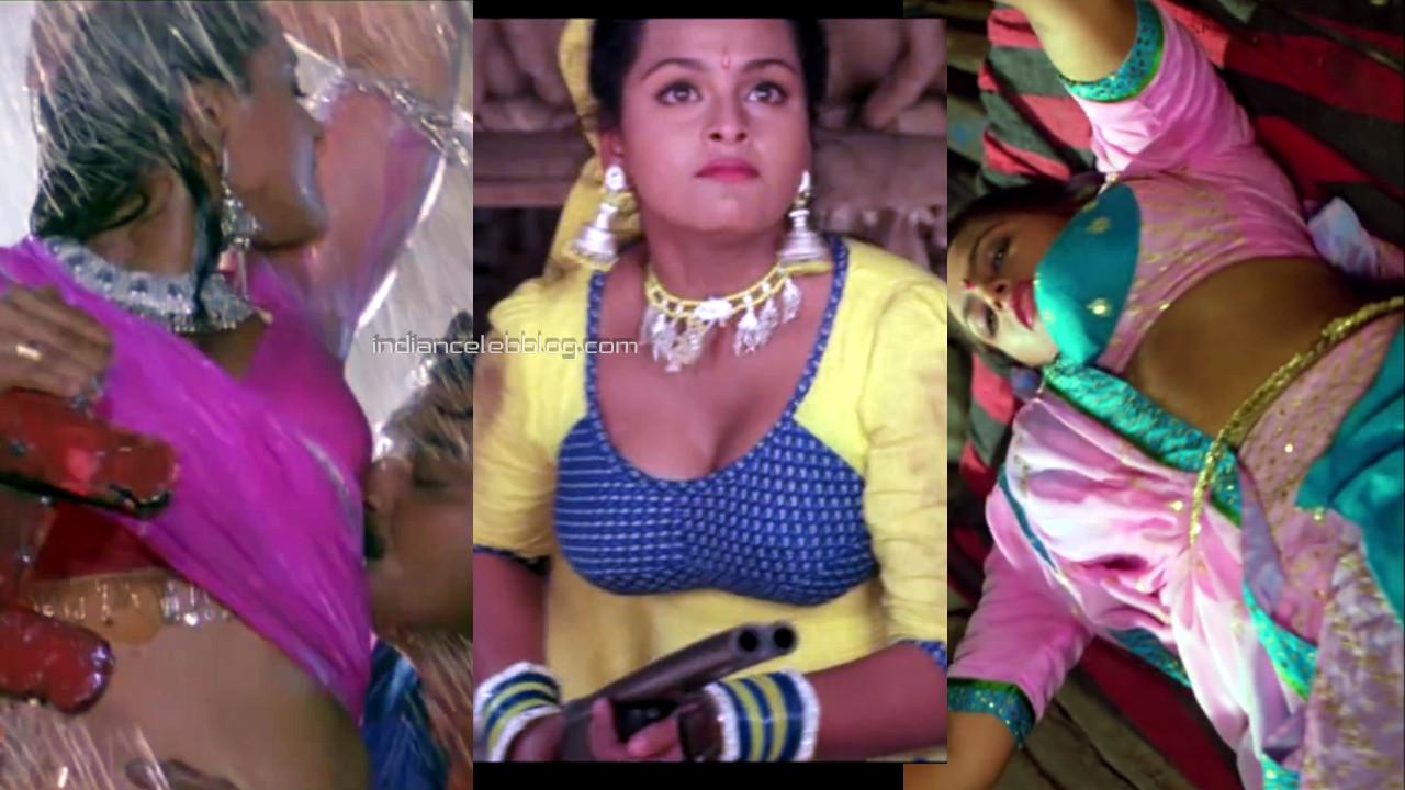 Shilpa shirodkar bollywood celeb hot pics hd movie caps