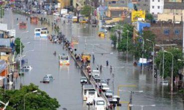 A stretch of 100 Feet Road near Vadapalani in Chennai on November 28. (Photo courtesy: Frontline)