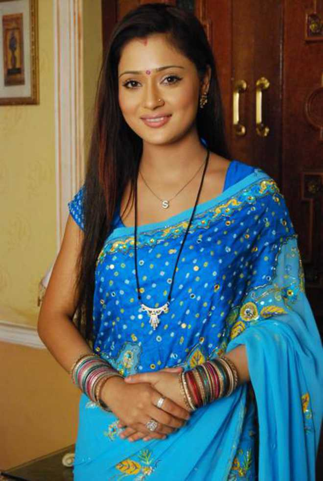 Turned into singer to promote happiness: Sara Khan - INDIA ...Sara Khan In Saree