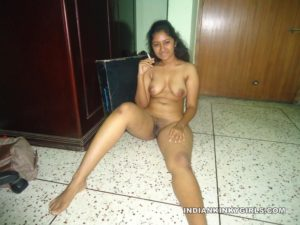 Hot-Young-Indian-Call-Girl-Nude-Images-10