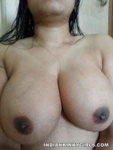 Indian Girl Boobs Show In Shower