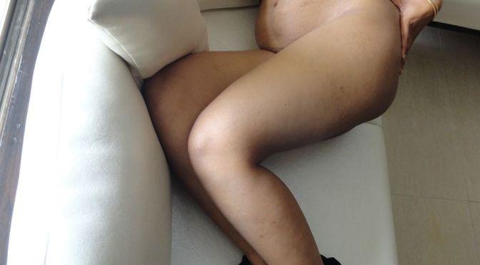 mona bhabhi nude pics showing boobs