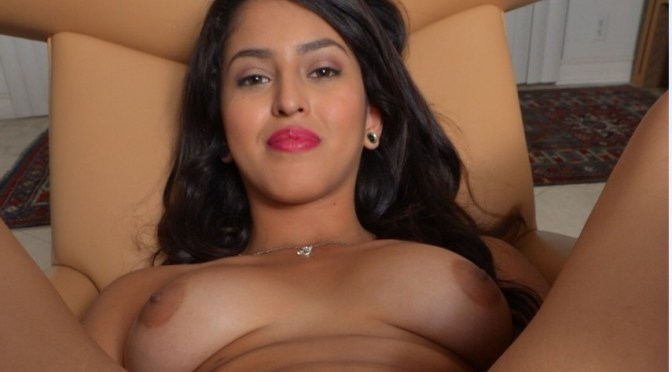 Gorgeous Indian Adult Model Nude Boobs And Spreading Pussy
