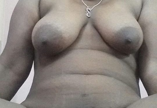 Mallu Horny Wife Nude Pics Posing Mamme and Pussy