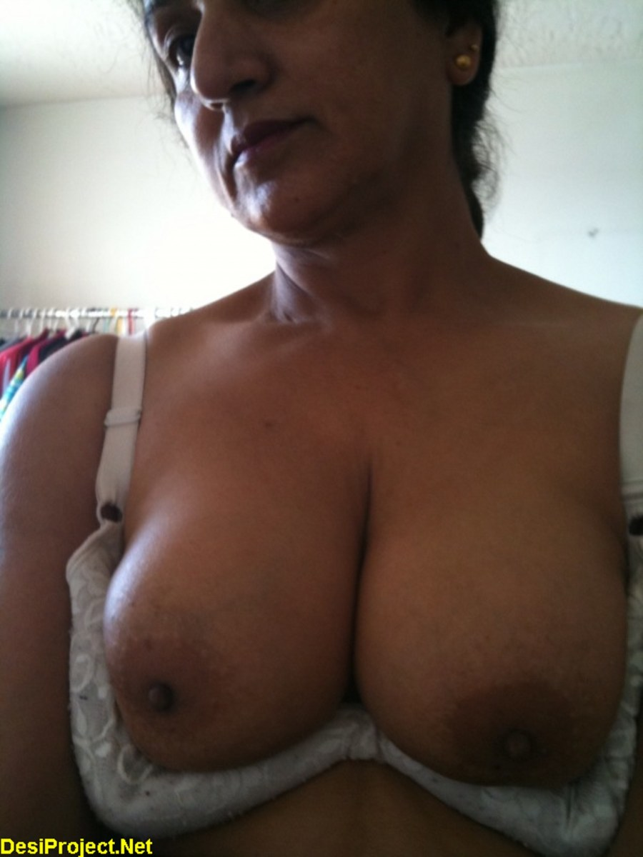 topless aunties photos