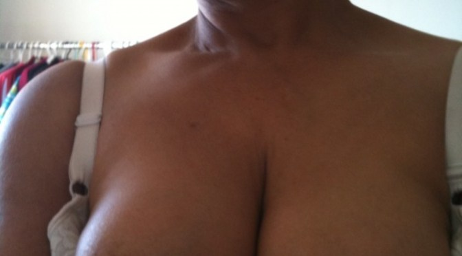 Tharki Indian Aunty Topless Selfies Milky Boobs Show