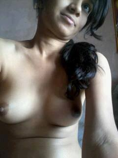 Sexy Indian Teen Hot Boobs Show Selfies