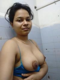sexy topless selfies of indian wife showing big tits 005