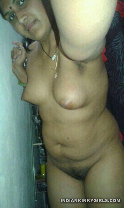 indian marathi housewife naked shower selfies leaked 001