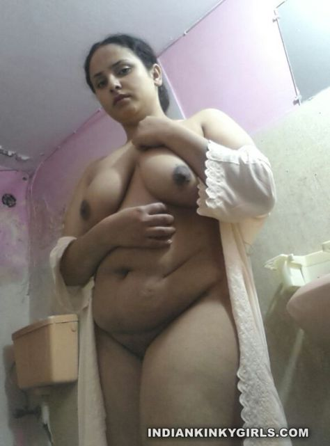 indian housewife nude teasing lover with big assets 006