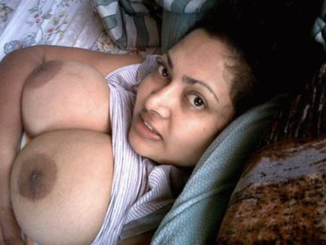 puffy bald pussy and milky big boobs of agra girl ritu 003