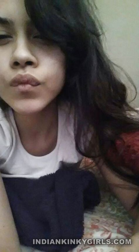 sexy indian teen neetu complete nude selfies 001