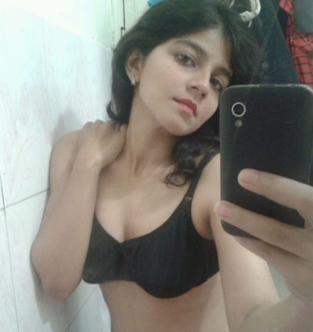 pretty teen ex gf priya sexy selfies 004