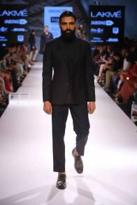 11_IMM_Indian_Male_Models_Bugatti