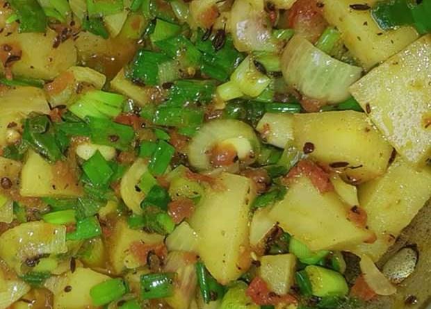 green onion potato- hare payaz aloo ki sabji