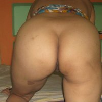 Desi butt nude ass Mallu aunty instagram