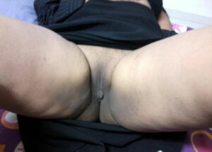 trimmed pussy aunty