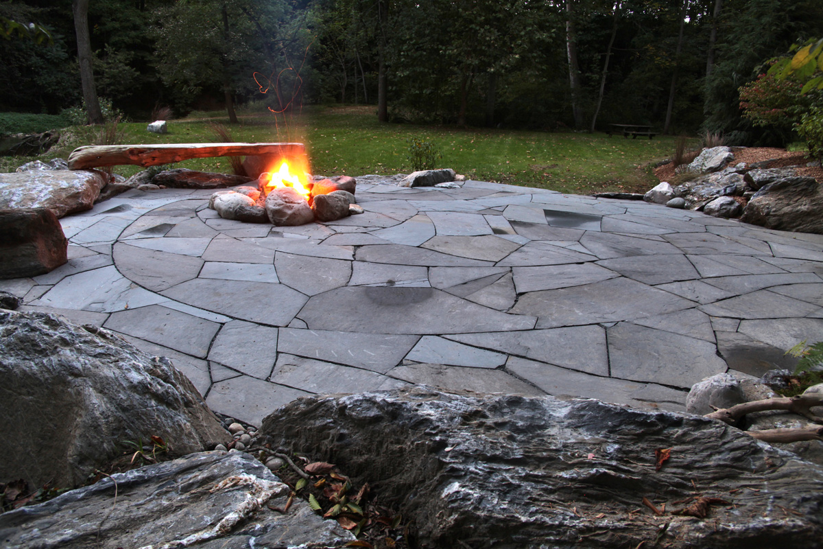 Indian Run Landscaping » Natural Flagstone Patio with Fire Pit on Flagstone Backyard Patio id=76675