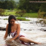 Indian house wife nude images indian bhabhi nude in Bikini 21