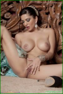 Sunny Leone takes off her saree bra and panties and showing sexy boobs and ass Bollywood actress Sunny Leone nude 24